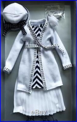 16 TonnerDeja VuThoroughly Modern OutfitLE 500NIBNRFB