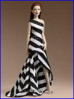 16 TonnerPositive/Negative Marley Wentworth Complete OutfitNo DollLE 500New
