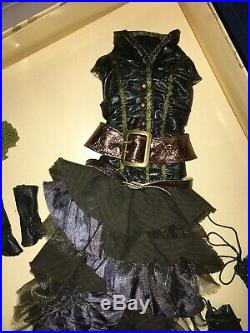 A LITTLE BIT DARKERELLOWYNE WILDE16 Fashion Doll OUTFIT NRFB