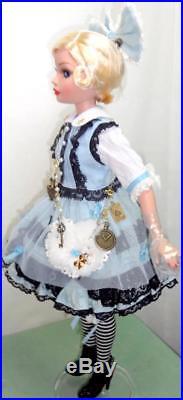 Alice in Wonderland 16 Doll +Disney TEA SET Ellowyne Wilde Angell-Studio Outfit