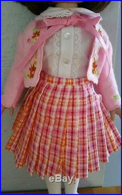Beautiful Tonner Betsy Mccall 14 Doll in Complete Simply Spring Outfit 2000