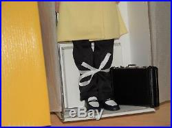 EUC- AWESOME 17 Dick Tracy Doll-by Tonner-Complete Outfit, briefcase & Stand