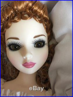 Ellowyne Wilde RESIN Decadent Daydream Two, COMPLETE doll & outfit Tonner pose