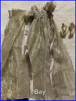 Evangeline Ghastly Moonlit Fog Outfit