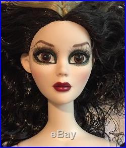 Evangeline Ghastly Shadow Figures Doll with OOAK Outfit Tonner Wilde