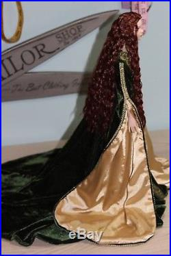 Gorgeous Tonner Redhead Crimped Hair Cami in a Breathtaking Franklin Mint Outfit
