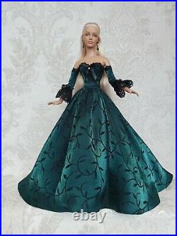 Historical OUTFIT and jewelry for dolls16Tonner doll Tyler body. Sybarite doll