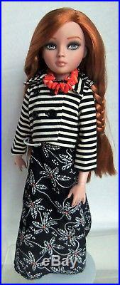 Lovely ELLOWYNE WILDE Redhead Wearing BORED WALK Complete Outfit