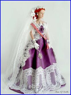 Outfit/Dress for Tonner doll 16 Antoinette. Silver Stars