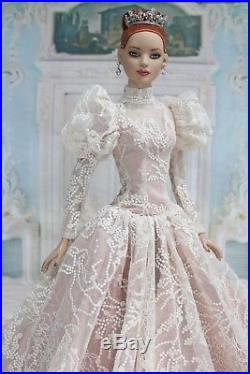 Outfit for American model 22 Tonner doll