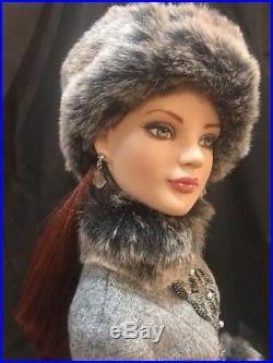 ROBERT TONNER 22 AMERICAN MODEL LADY LUXE DOLL with OUTFIT in BOX. Very Limited