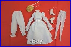 Rare Reading to Alice Tonner doll outfit Tyler Wentworth LE 250 from 2009