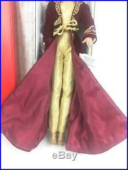 Robert Tonner BRENDA STARR REPORTER Doll City Sophisticate + Shanghai Outfit