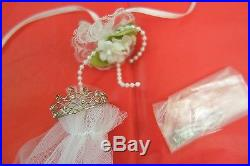 Shea's Wedding Day Special Edition Collector's United outfit Tonner doll 16