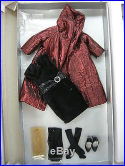 TONNER AGATHA PRIMROSE BASIC CHESTNUT 13 FASHION DOLL With3 OUTFITS