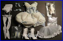 This Dish is Too Hot Tonner Doll OUTFIT 2009 fits 17 DeeAnna Denton Goldilocks