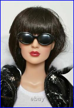 Tonner 16 Doll DIANA PRINCE dressed in COOL CHIC OUTFIT New