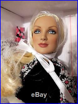 Tonner 16 SAMMIE Betty Ann Face RARE LE150 London Convention 1960's outfit NRFB