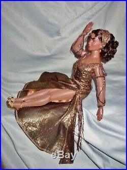 Tonner African-American 16 Mama Morton Fashion Doll Original Outfit Rare