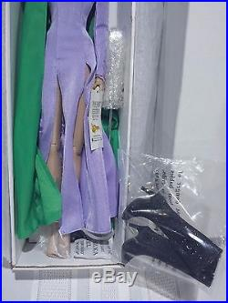 Tonner DC Stars Catwoman Selina Kyle (Purple Outfit) 16 MIB / NRFB