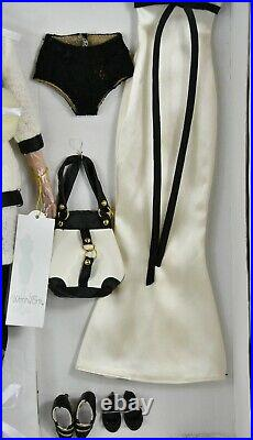 Tonner Deluxe Tyler Wentworth Signature Style Gift Set, Doll Plus Outfits Rare