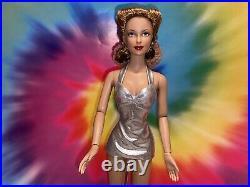 Tonner Doll Brenda Starr Aurora 2006 Silver Sensation outfit