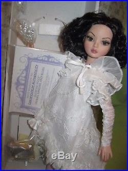 Tonner ELLOWYNE WILDE 16 Fashion Doll & Outfit BAUBLES BANGLES AND BLUES in Box