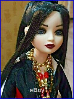 Tonner Ellowyne Wilde My Tell Tale Heart wearing Invisible Ink Outfit
