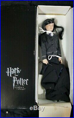 Tonner Harry Potter 17 DOLL Cho Chang in School Outfit with Cape, Wand, Box