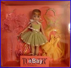Tonner Jane Grand Jete Gift Set Doll & Ballet Outfits, NRFB
