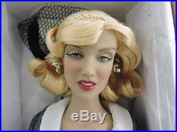 Tonner Marilyn Monroe 16 Doll Pola Debevoise with extra OUTFIT