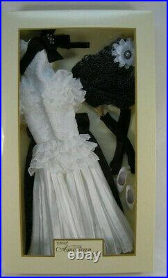 Tonner Moonlight Waltz Outfit for 22 American Model with WIG NO DOLL INCLUDED