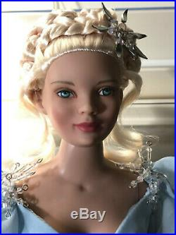 Tonner Mrs. Claus Basic Doll Dressed in WinterFrost Outfit LE 500 NIB