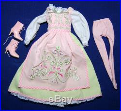 Tonner Mrs. Claus Santa Sweet Shoppe Doll Outfit Complete