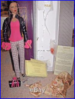 Tonner Perfect Start Ashleigh Brunette EXCLUSIVE + Slice Of Life Outfit