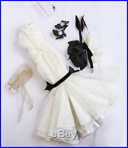 Tonner Scintillating Ashleigh outfit ONLY 16 for Antoinette body