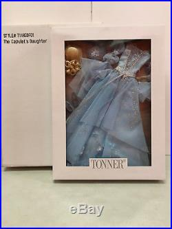 Tonner'The Capulet's Daughter' outfit only with shipper NRFB New