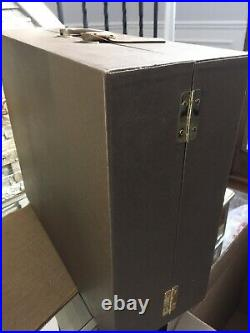 Tonner Tyler Wentworth WARDROBE TRUNK CASE for up to 3 16Vinyl DOLLS + OUTFITS
