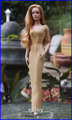 Tonner Wigged Sydney. With 6 hard cap wigs by Chewin & 2 outfits, shoes