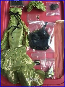 Tonner Wilde EVANGELINE GHASTLY 19 MOSSY TOMBSTONE COMPLETE DOLL Clothes OUTFIT