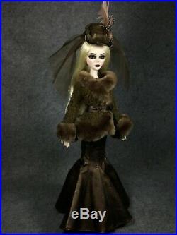 Tonner Wilde Evangeline Ghastly Resin 18'' outfit