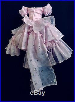 Tonner Wilde Imagination POP GOES OZ Glinda / Ellowyne OUTFIT for 16 doll