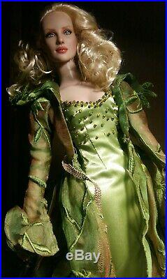 Tonner Wizard of Oz Haunted Stroll outfit Poison Ivy Miss Gulch LE500 16 dolls