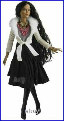 WITH A TWISTTonner CAMI & JON ANTOINETTE 16 Fashion Doll 2010 OUTFIT ONLY